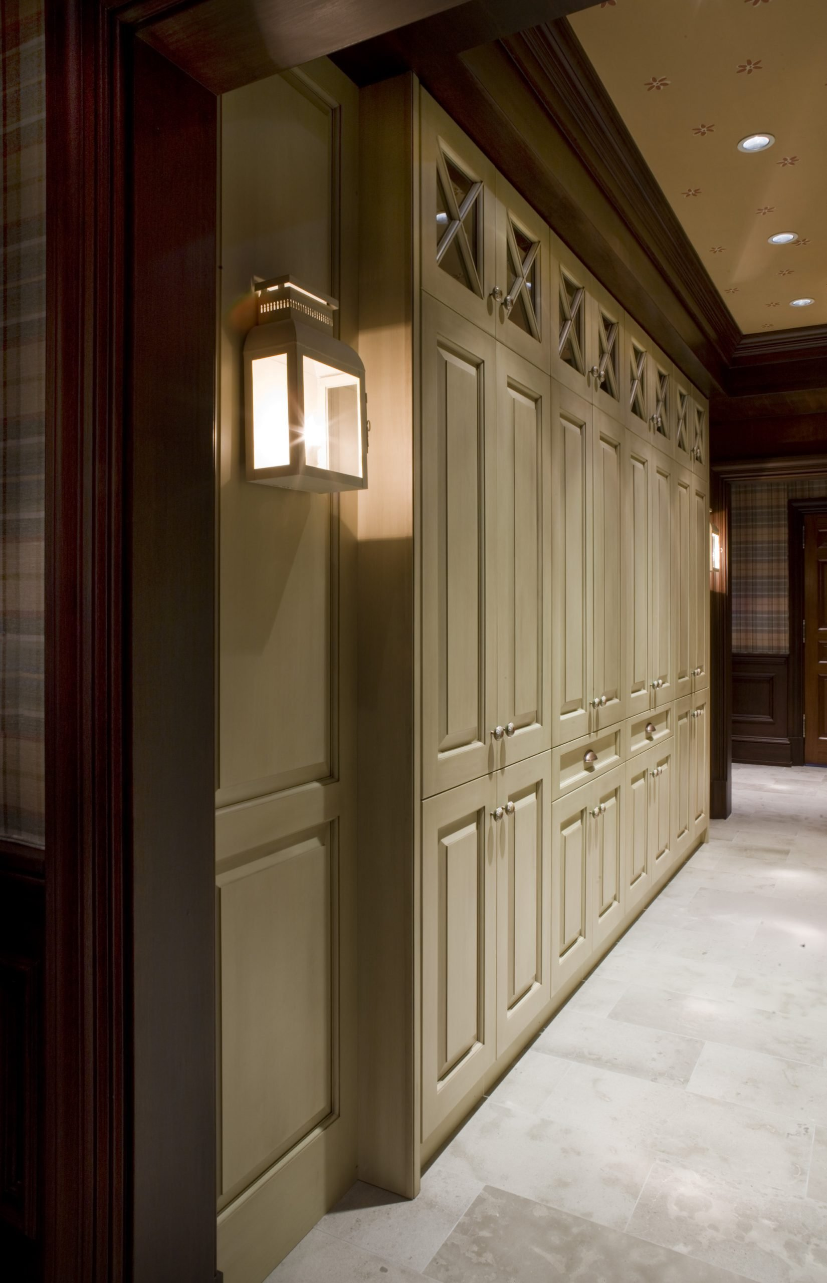Manganaro, A&M- Butler Pantry- Greenfield- Tradtional- Paint- Dining Cabinets